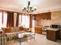大连星海广场鸿锦公寓三室家庭套房