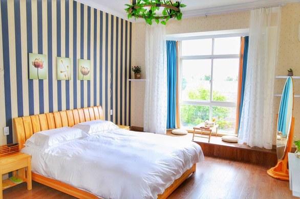 背景墙 房间 家居 酒店 设计 卧室 卧室装修 现代 装修 585_389
