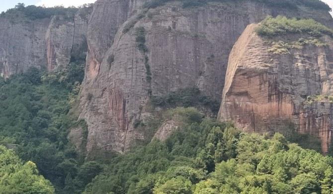 汉仙岩风景区山水营坊乡村民宿豪华大床房