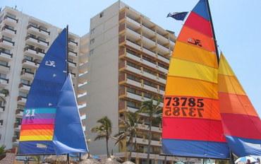 马萨特兰酒店公寓住宿:拉斯弗洛雷斯海滩度假村