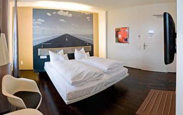 斯图加特酒店公寓住宿:斯图加特汽车世界V8旅馆