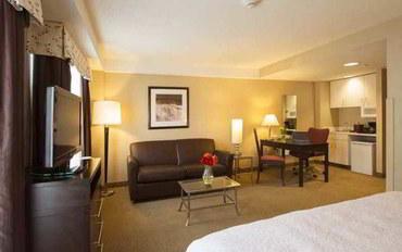 波士顿酒店公寓住宿:汉普顿波士顿各区域中心套房公寓