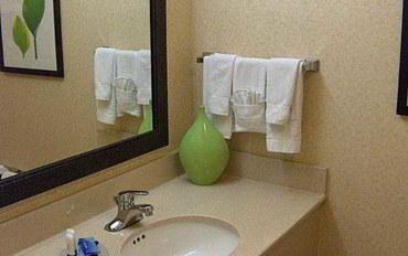 萨拉索塔酒店公寓住宿:万豪费尔菲尔德萨拉索塔莱克伍德牧场套房