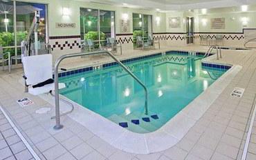 印第安納波利斯酒店公寓住宿:印第安纳波利斯卡梅尔套房公寓