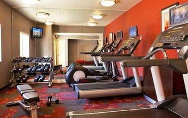 萨克拉门托酒店公寓住宿:萨克拉门托机场纳托马斯公寓
