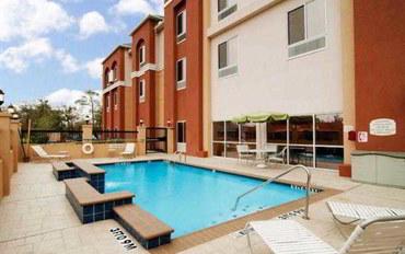 休斯顿酒店公寓住宿:休斯顿钱纳尔维尤费尔菲尔德公寓
