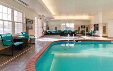 印第安納波利斯酒店公寓住宿:印第安纳波利斯费希尔斯公寓