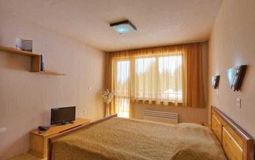 潘波洛沃酒店公寓住宿:隐匿森林公寓