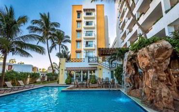 马萨特兰酒店公寓住宿:弗里曼透明金色最佳西方哈密那度假村