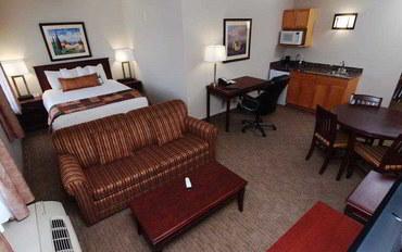 温尼伯酒店公寓住宿:最佳西方彭比纳套房