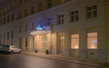 维也纳酒店公寓住宿:萨利中港盛星光套房