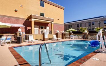 印第安納波利斯酒店公寓住宿:康福特套房公寓