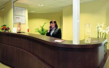 图卢兹酒店公寓住宿:科尔内巴尔里厄典雅公园套房公寓