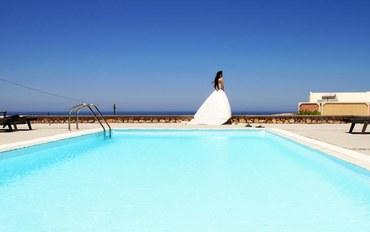 圣托里尼岛白沙滩附近酒店公寓住宿:阿里萨科尼度假村