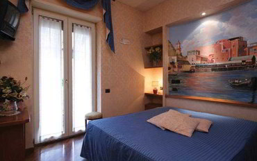 那不勒斯酒店公寓住宿:艾斯德拉套房精品酒店