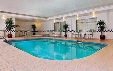 奥斯汀酒店公寓住宿:大学区费尔菲尔德套房公寓