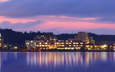 岛根酒店公寓住宿:水天阁夕景湖畔旅馆