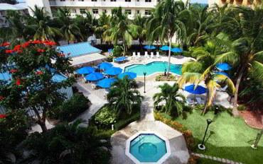 开曼群岛酒店公寓住宿:舒适套房度假村
