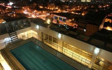 马尼拉酒店公寓住宿:索拉纳先驱套房