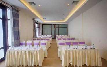 岘港酒店公寓住宿:安娜曼德拉胡海滩度假村