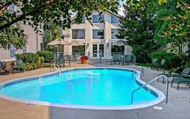 费耶特维尔(阿肯色州)酒店公寓住宿:斯普林代尔欢朋套房