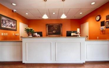 克里夫兰酒店公寓住宿:草坪湖贝斯特韦斯特优质套房