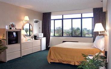 那不勒斯(佛罗里达州)酒店公寓住宿:凯丽套房高尔夫度假村