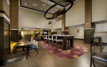 水牛县酒店公寓住宿:布法罗机场希尔顿欢朋套房