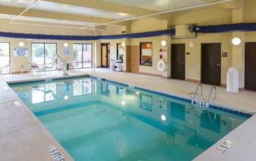 斯帕坦堡酒店公寓住宿:斯帕坦堡-I-26-西门商场汉普顿套房