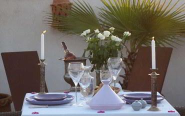 马拉喀什酒店公寓住宿:杜瑟曼德林摩洛哥传统庭院住宅