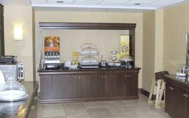代顿(俄亥俄州)酒店公寓住宿:代顿机场欢朋套房