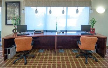 费耶特维尔(阿肯色州)酒店公寓住宿:岩堡贝斯特韦斯特优质套房