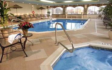克里夫兰酒店公寓住宿:利夫兰比奇伍德希尔顿恒庭旅馆&套房