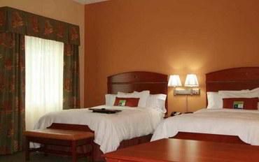 克利尔沃特酒店公寓住宿:弗罗里达州里奇港欢朋套房