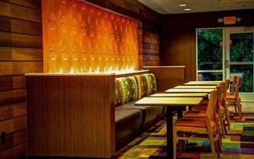 蒙哥马利酒店公寓住宿:蒙哥马利机场南费尔菲尔德套房