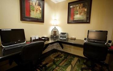 塔尔萨酒店公寓住宿:塔尔萨贝斯特韦斯特优质套房