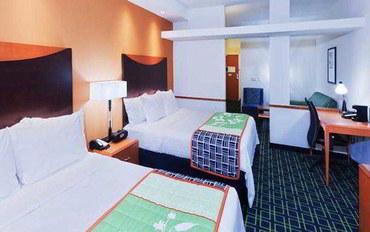 塔尔萨酒店公寓住宿:塔尔萨东南费尔菲尔德套房