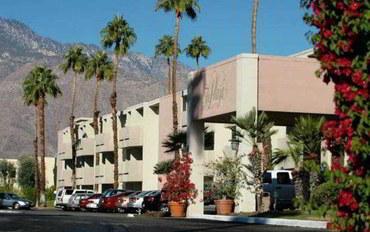 棕榈泉酒店公寓住宿:广场温泉度假村