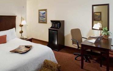 塔尔萨酒店公寓住宿:塔尔萨南部比克斯比汉普顿套房