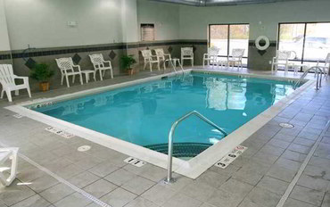 詹姆斯敦(纽约州)酒店公寓住宿:詹姆斯敦汉普顿旅馆和套房