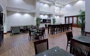 锡拉丘兹(纽约州)酒店公寓住宿:希尔顿恒庭锡拉丘兹伊利大道套房