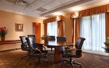 水牛县酒店公寓住宿:贝斯特韦斯特普勒斯商业街廊旅馆&套房