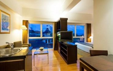 芭提雅酒店公寓住宿:宽敞工作室