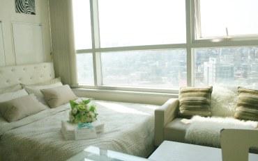 韩国酒店公寓住宿:首尔地铁站现代化阁楼6人房