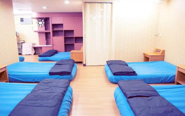 台南酒店公寓住宿:台南中西区爱台南背包客栈三人入住近林百货