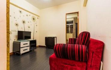 香港酒店公寓住宿:油麻地地铁口1分鈡经济干净两房一厅6-8
