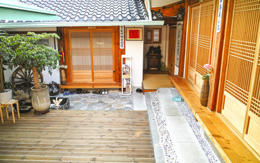韩国酒店公寓住宿:仁寺洞传统三人韩屋