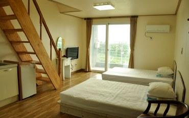 济州岛酒店公寓住宿:近济州旅游区的别致复式6人房