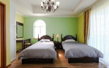 济州岛酒店公寓住宿:临近济州机场的舒适双床房