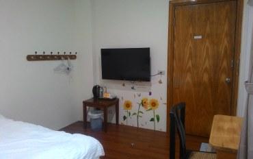 台东酒店公寓住宿:木头人民宿202双人房
